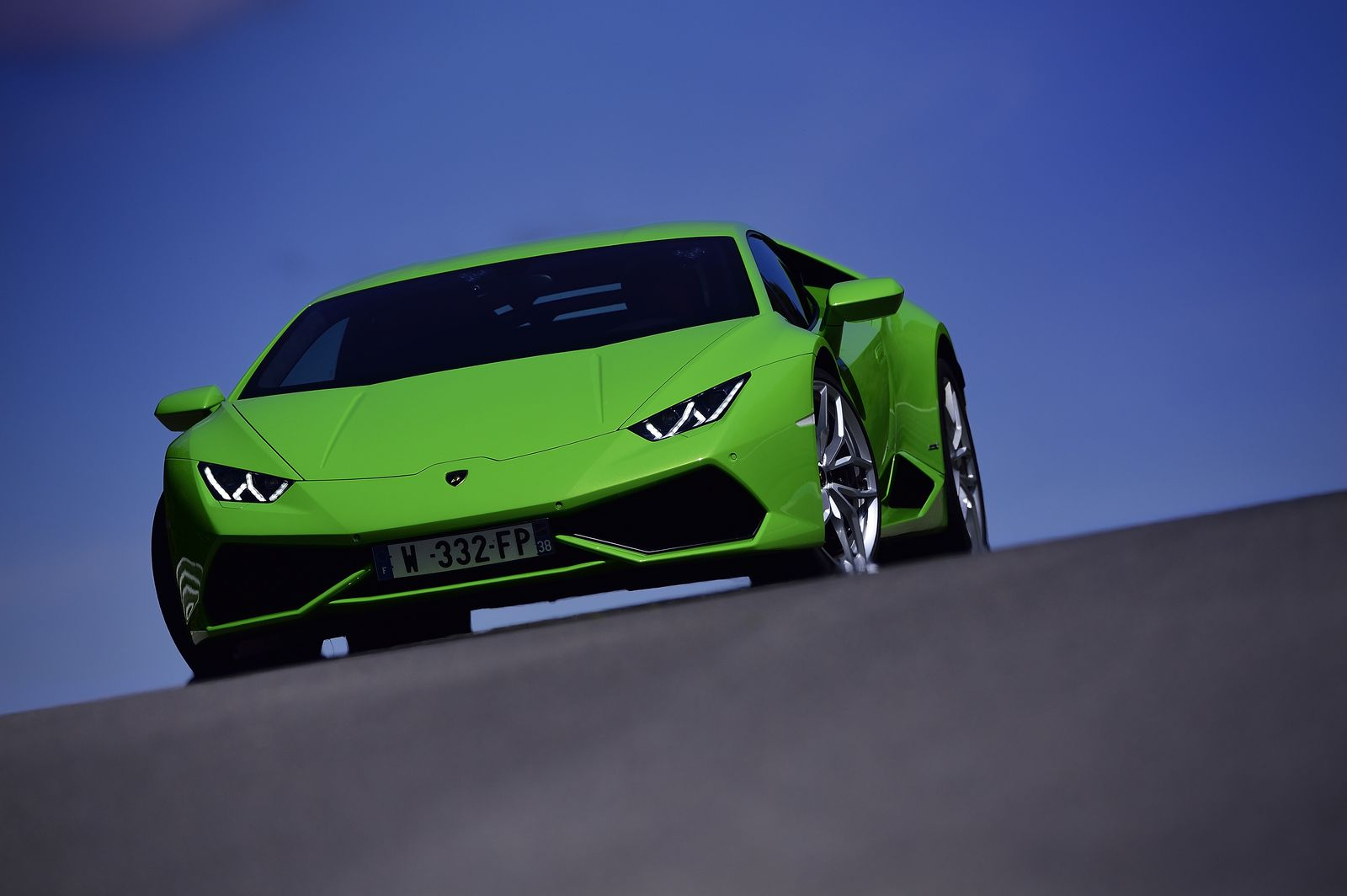 stage pilotage lamborghini huracan lp610 4 sur le circuit du laquais. Black Bedroom Furniture Sets. Home Design Ideas